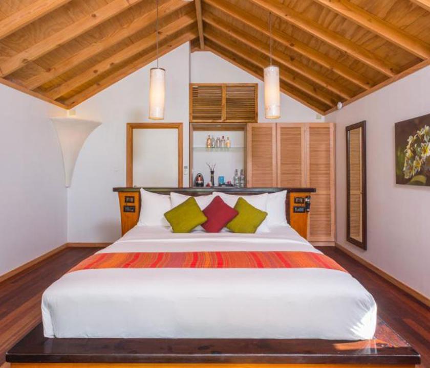 Kuredu Island Resort & Spa / Beach Villa - hálószoba (Maldív-szigeteki utazások)
