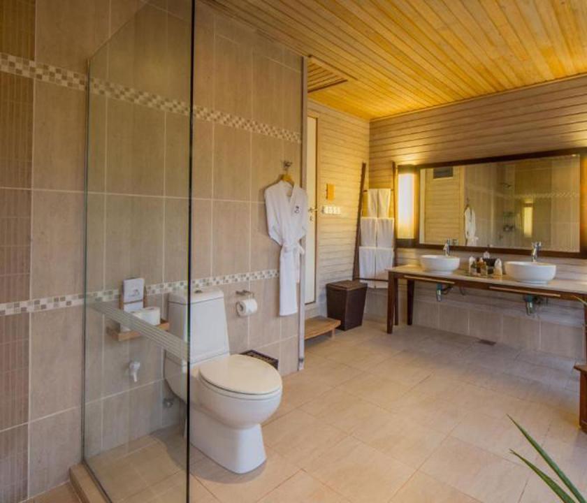 Kuredu Island Resort & Spa / Beach Villa - fürdőszoba (Maldív-szigeteki utazások)