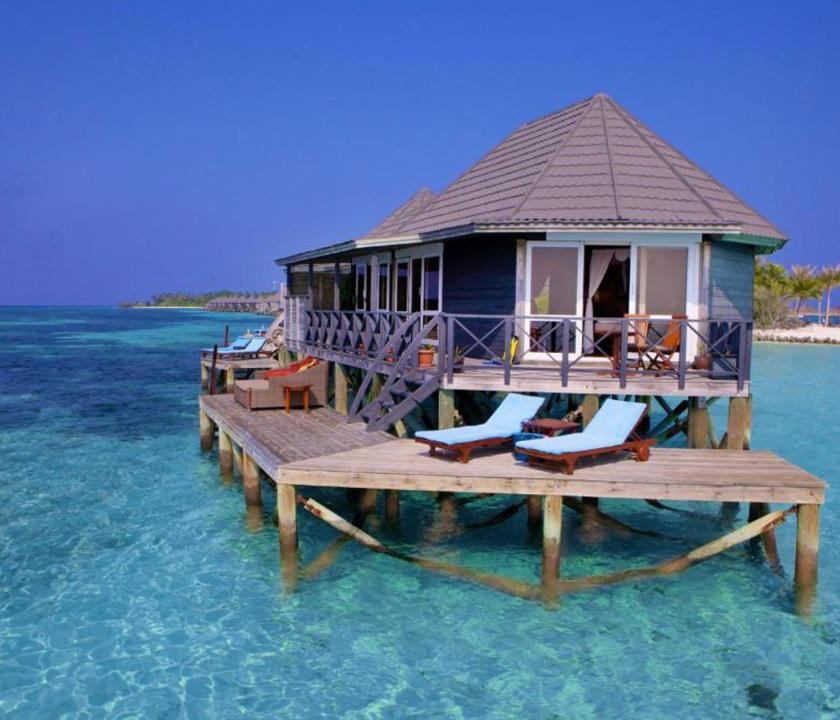 Kuredu Island Resort & Spa / Sangu Water Villa - a villa kivülről (Maldív-szigeteki utazások)