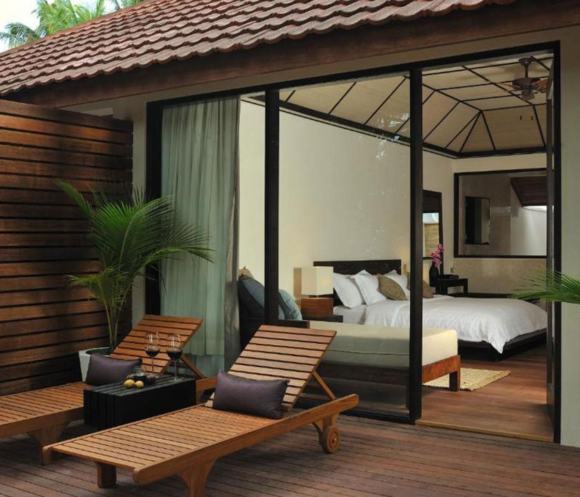 Lily Beach Resort & Spa / Beach Villa - terasz (Maldív-szigeteki utazások)