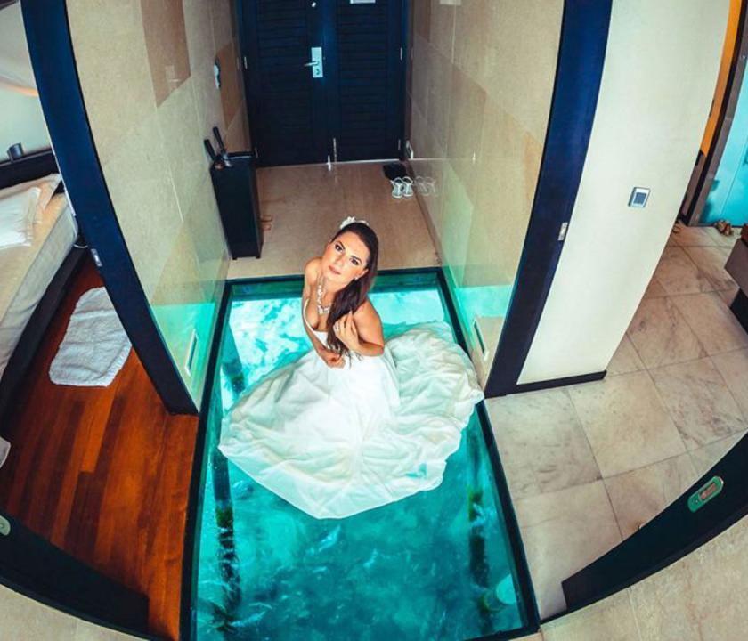 Lily Beach Resort & Spa / Deluxe Water Villa - üvegpadló (Maldív-szigeteki utazások)