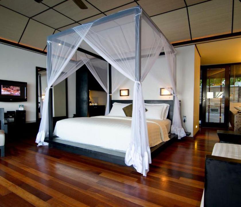Lily Beach Resort & Spa / Lagoon Villa - hálószoba (Maldív-szigeteki utazások)