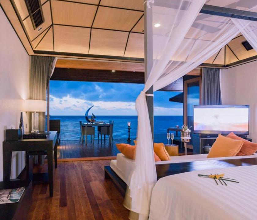 Lily Beach Resort & Spa / Sunset Water Suite - kilátás a szobából (Maldív-szigeteki utazások)