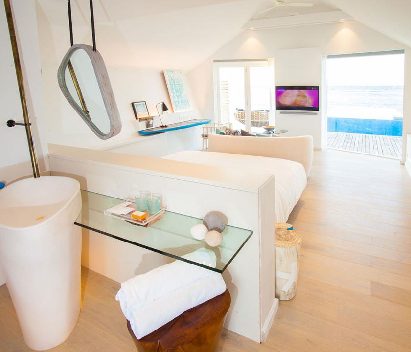 LUX* South Ari Atoll / Romantic Pool Water Villa (Maldív-szigeteki utazások)