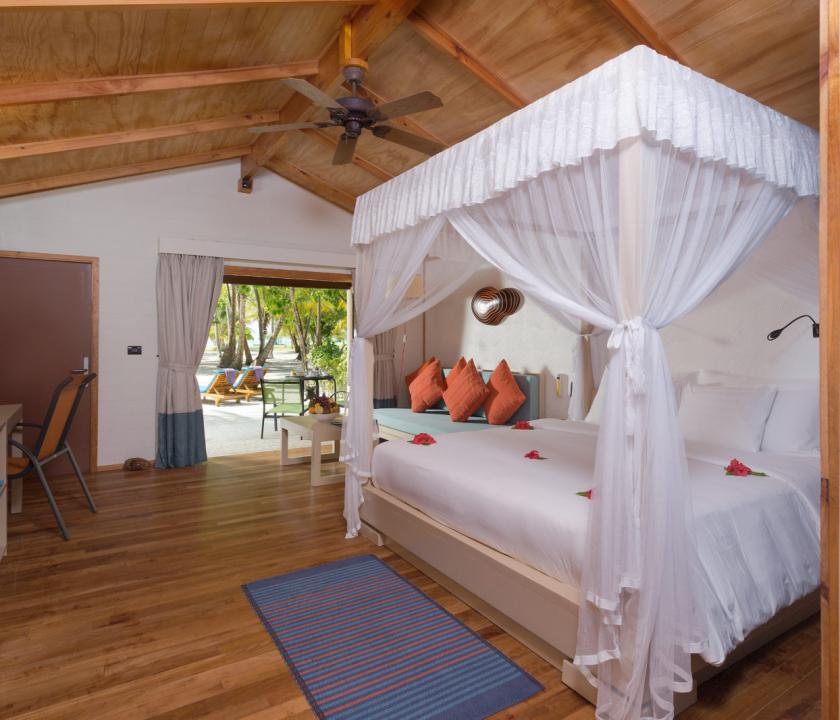 Meeru Island Resort & Spa / Jacuzzi Beach Villa (Maldív-szigeteki utazások)