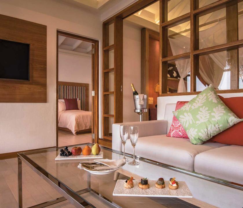 OBLU SELECT at Sangeli by Atmosphere / Beach Family Suite with Pool - nappali (Maldív-szigeteki utazások)