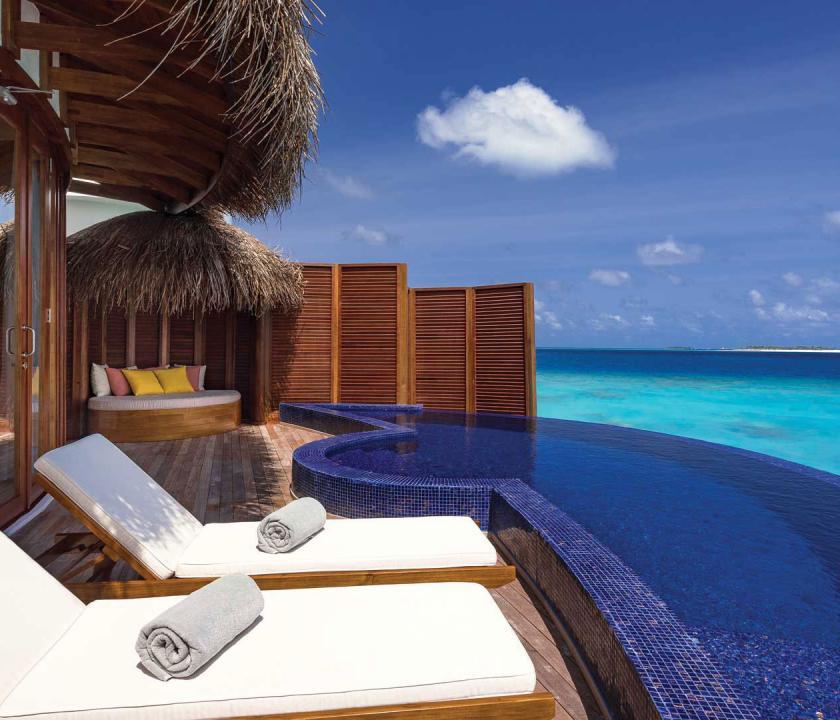 OBLU SELECT at Sangeli by Atmosphere / Honeymoon Water Suites with Pool - terasz (Maldív-szigeteki utazások)