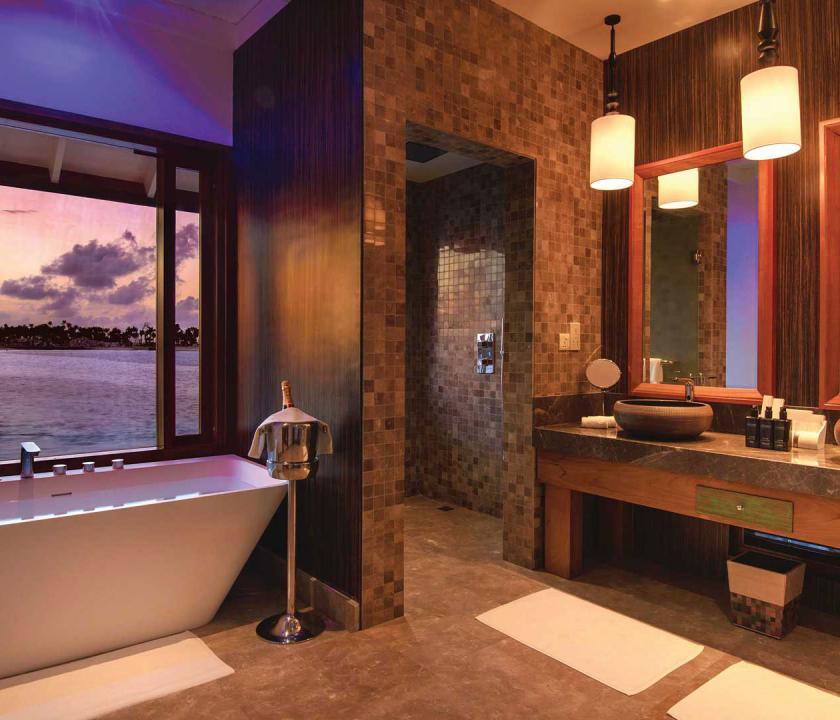 OBLU SELECT at Sangeli by Atmosphere / Water Villa with Pool - fürdőszoba (Maldív-szigeteki utazások)
