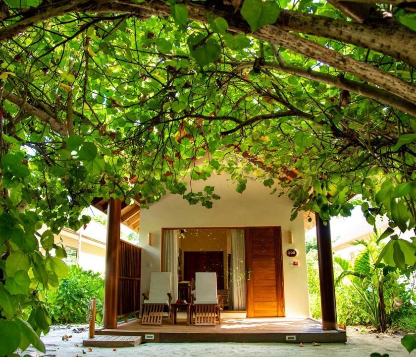 Reethi Faru Resort / Garden Villa (Maldív-szigeteki utazások)