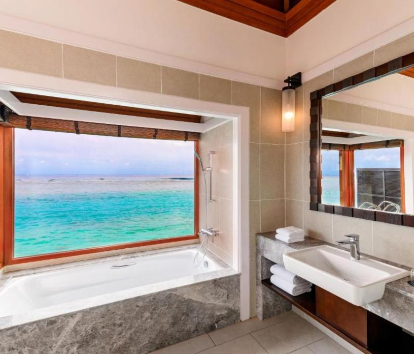 Sheraton Maldives Full Moon Resort & Spa / Water Bungalow (Maldív-szigeteki utazások)