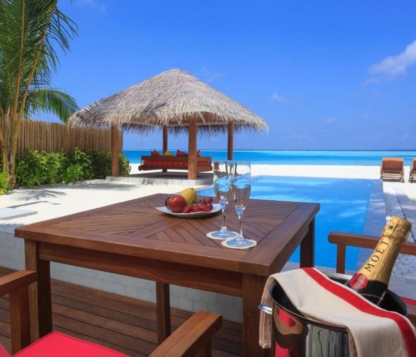 Sun Aqua Vilu Reef Maldives / Sun Aqua Pool Villa (Maldív-szigeteki utazások)