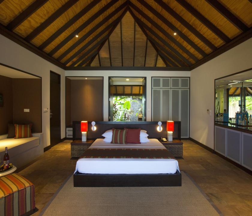 Velassaru Maldives / Beach Villa - hálószoba (Maldív-szigeteki utazások)