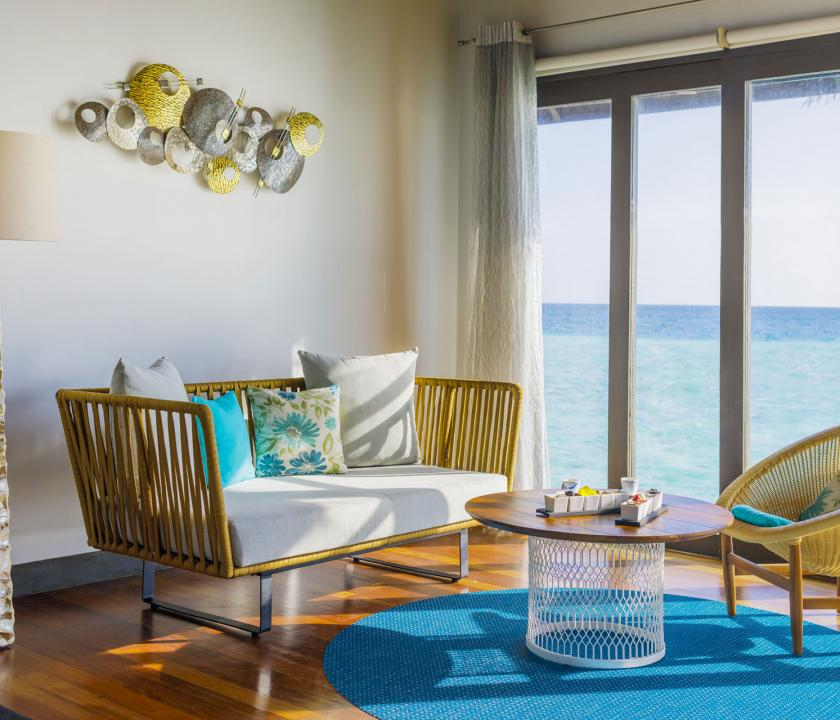Velassaru Maldives / Water Villa with Pool - nappali (Maldív-szigeteki utazások)