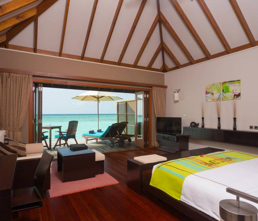 Veligandu Island Resort & Spa / Sunset Jacuzzi Water Villa (Maldív-szigeteki utazások)