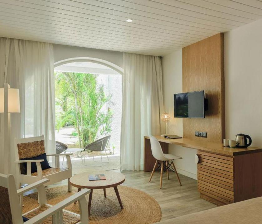 Canonnier Beachcomber Golf Resort & Spa / Standard Garden room - nappali (Mauritiusi utazások)