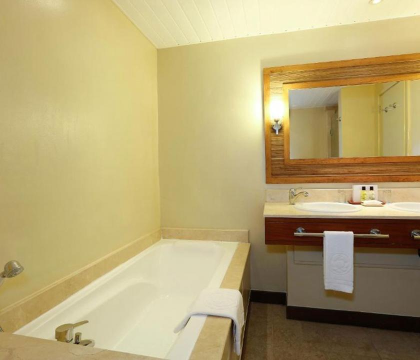 Canonnier Beachcomber Golf Resort & Spa / Superior Garden room - fürdőszoba (Mauritiusi utazások)
