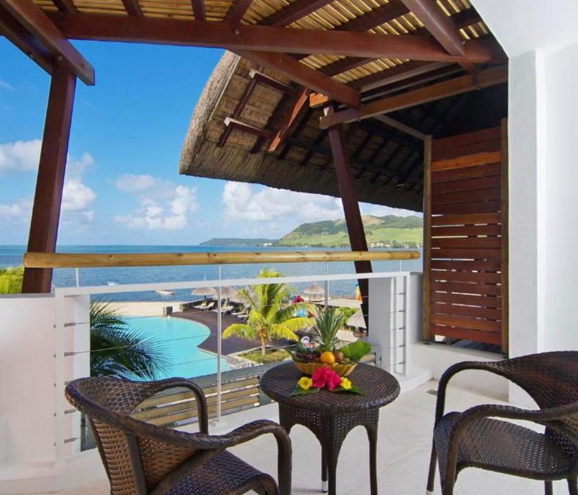 Laguna Beach Hotel & Spa / Family Seaview room - terasz (Mauritiusi utazások)