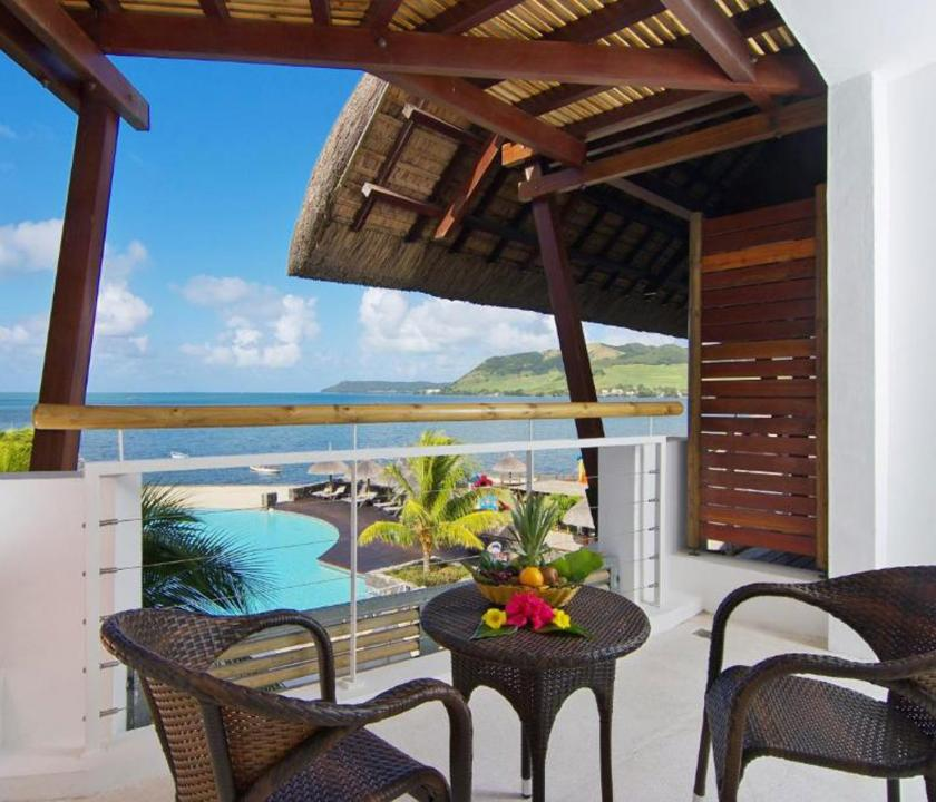 Laguna Beach Hotel & Spa / Standard Seaview room - terasz (Mauritiusi utazások)