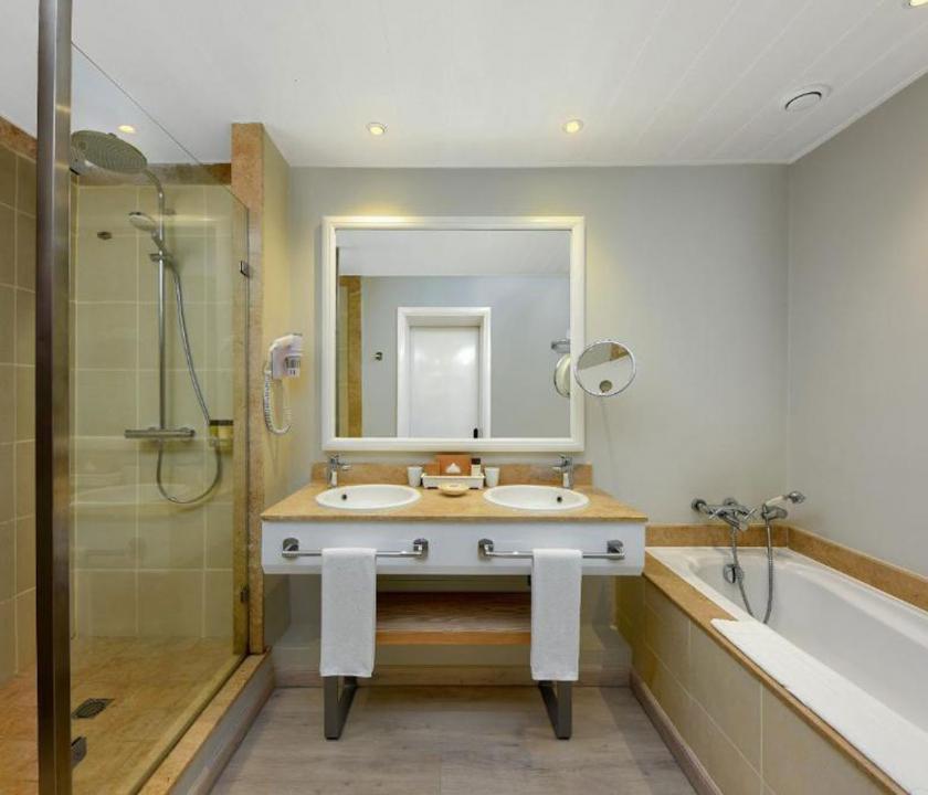 Mauricia Beachcomber Resort & Spa / Superior Beachfront room - fürdőszoba (Mauritiusi utazások)