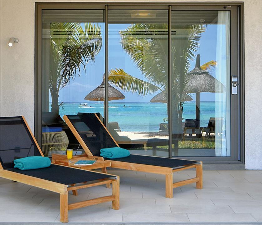 Paradis Beachcomber Golf Resort & Spa / Ocean Beachfront Suite - terasz (Mauritiusi utazások)
