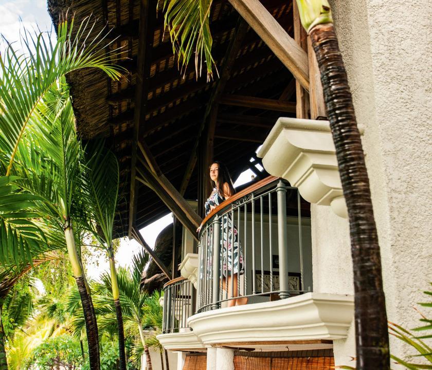 Paradis Beachcomber Golf Resort & Spa / Senior Suite Beachfront - terasz (Mauritiusi utazások)
