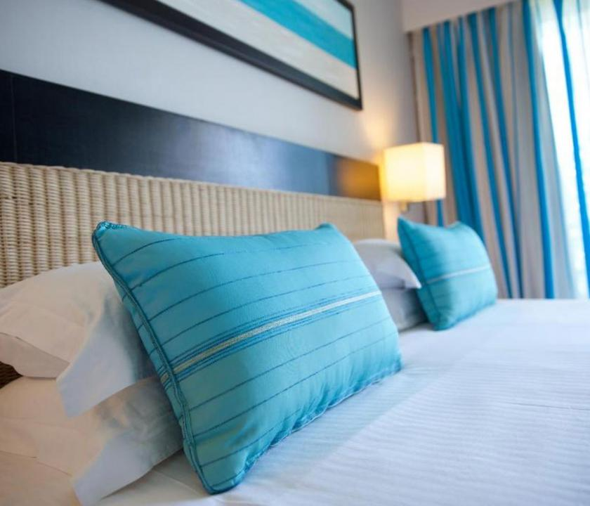 Pearle Beach Resort & Spa / Deluxe Superior room - hálószoba (Mauritiusi utazások)