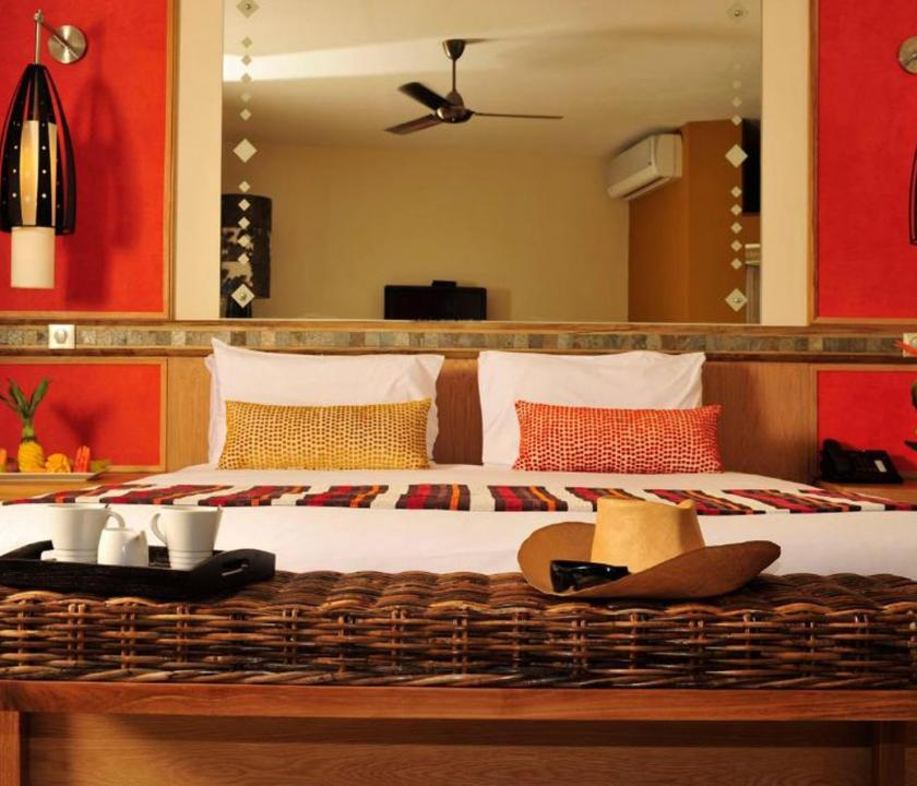 Tamarina Golf & Spa Boutique Hotel / Deluxe Beachfront room - hálószoba (Mauritiusi utazások)