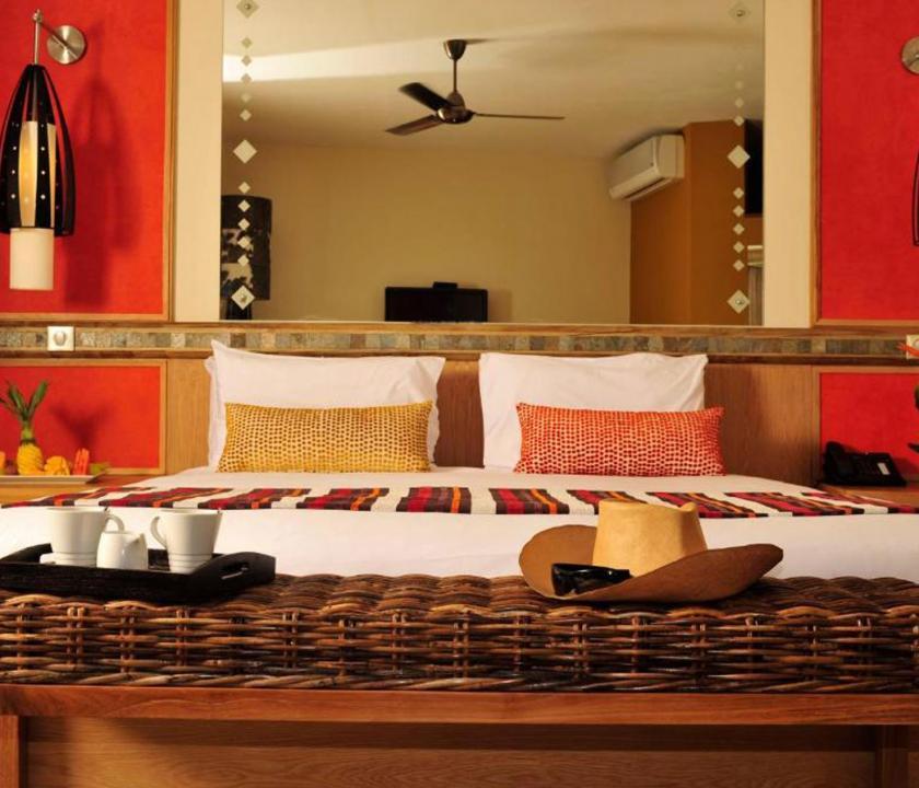 Tamarina Golf & Spa Boutique Hotel / Deluxe Garden view room - hálószoba (Mauritiusi utazások)