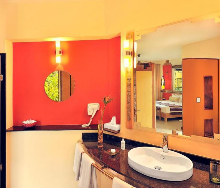 Tamarina Golf & Spa Boutique Hotel / Deluxe Sea side room - fürdőszoba (Mauritiusi utazások)
