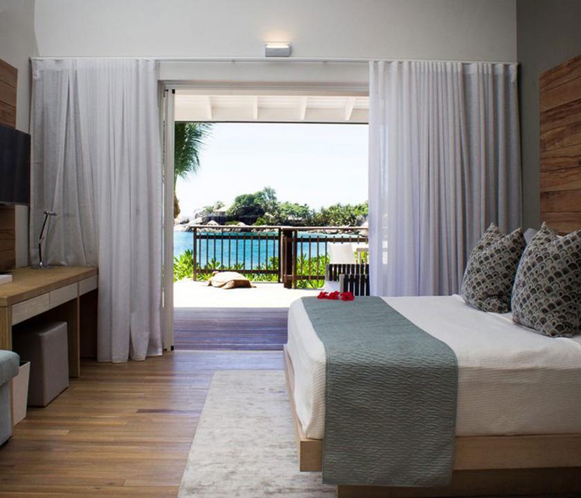 Carana Beach Hotel / Ocean view Pool Chalet - 1 (Seychelle szigeteki utazások)