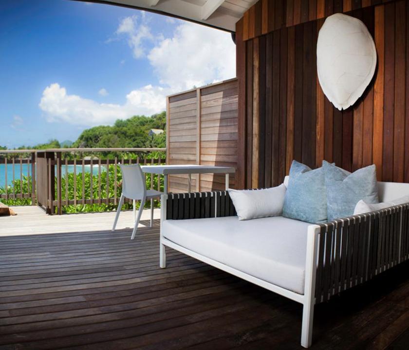 Carana Beach Hotel / Ocean view Pool Chalet - terasz (Seychelle szigeteki utazások)
