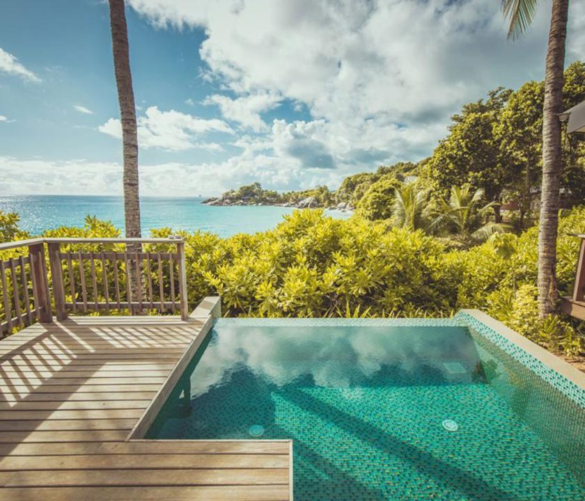 Carana Beach Hotel / Ocean view Pool Chalet - Terasz medencével (Seychelle szigeteki utazások)