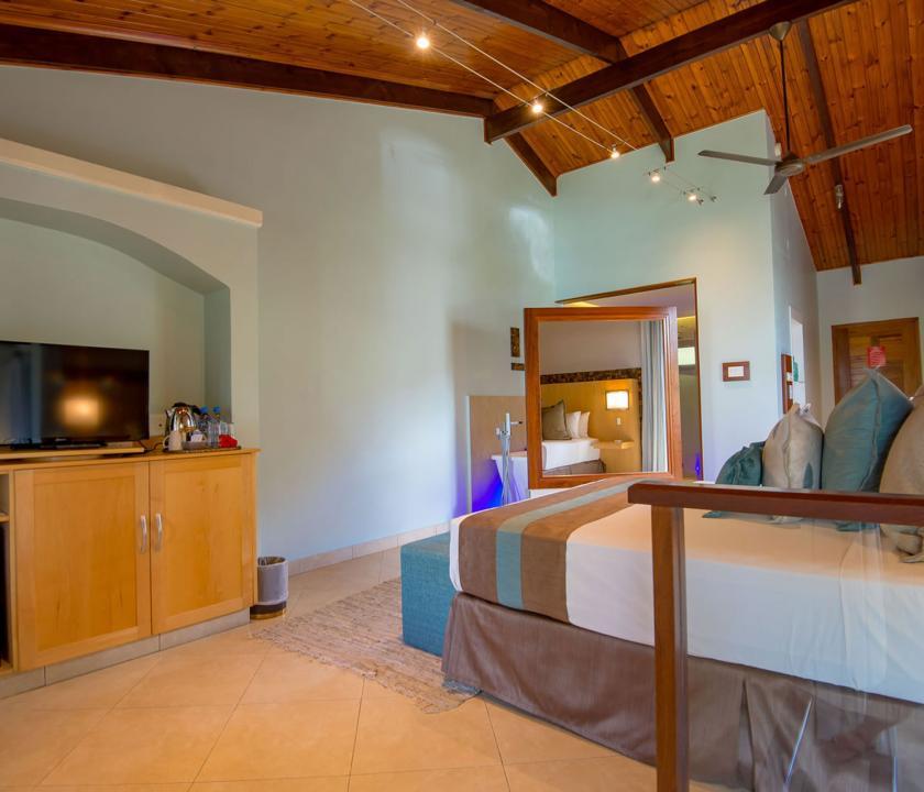 Coco de Mer Hotel & Black Parrot Suites / Standard room - 3 (Seychelle szigeteki utazások)