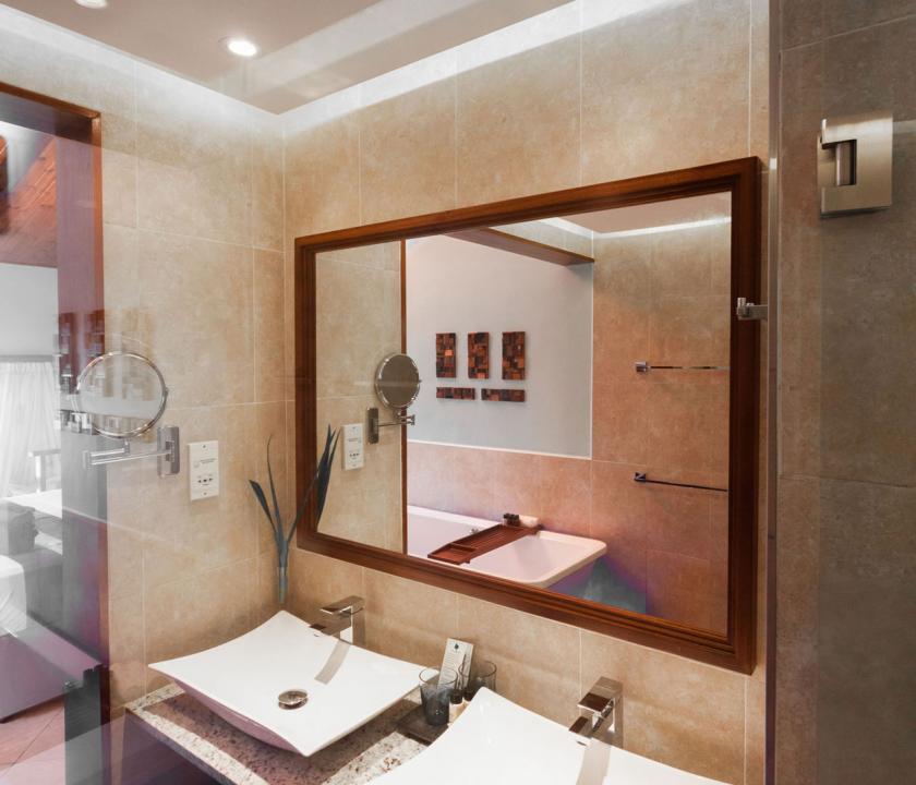 Coco de Mer Hotel & Black Parrot Suites / Superior room - Fürdőszoba (Seychelle szigeteki utazások)