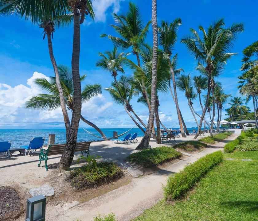 Coco de Mer Hotel & Black Parrot Suites / Superior room - parti sétány (Seychelle szigeteki utazások)