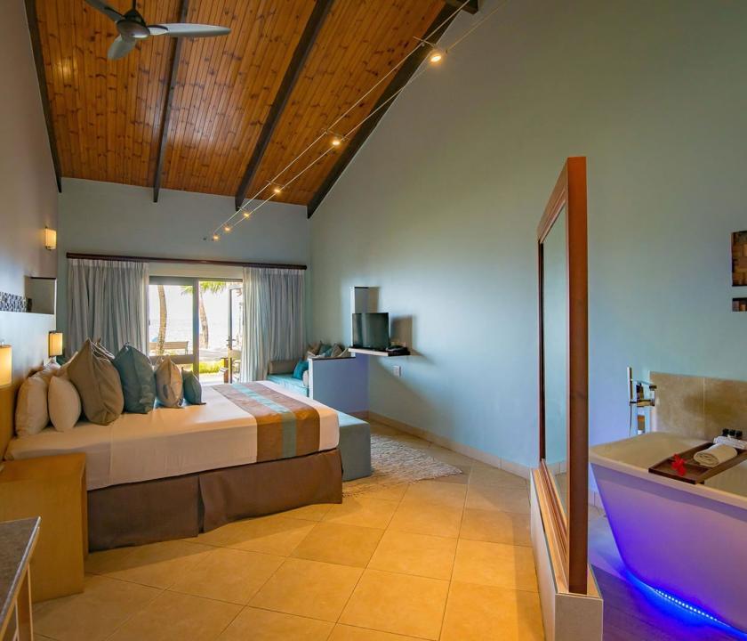 Coco de Mer Hotel & Black Parrot Suites / Superior room - hálószoba (Seychelle szigeteki utazások)