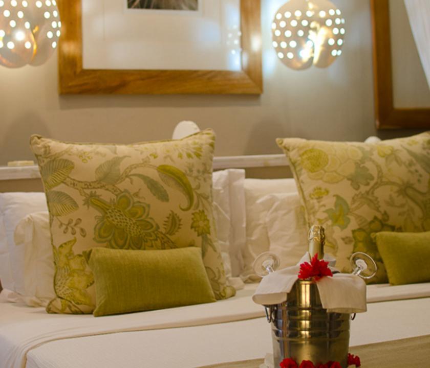 Indian Ocean Lodge / Standard room - vendégvárás a szobában (Seychelle szigeteki utazások)