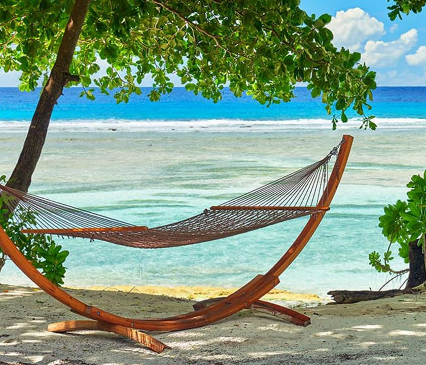 Hilton Seychelles Labriz Resort & Spa / Deluxe Beachfront Pool Villa - kilátás a kertből (Seychelle szigeteki utazások)