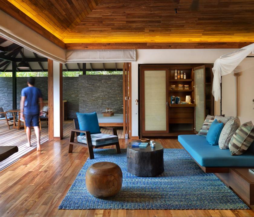 Six Senses Zil Pasyon Hotel / Panorama pool villa - nappali (Seychelle szigeteki utazások)